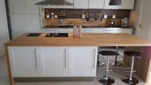 Coller Un Plan De Travail Sur Du Carrelage : plan de travail en bois massif pour votre cuisine ~ Dailycaller-alerts.com Idées de Décoration