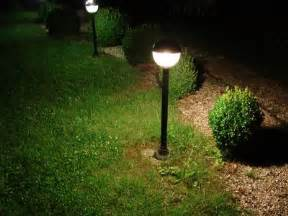 Les Solaires De Jardin by Installer Un 233 Clairage Ext 233 Rieur De Jardin Pratique Fr