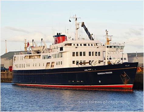 Scottish Cruise Ship HEBRIDEAN PRINCESS U00a9 | Embarcau00e7u00f5es ...