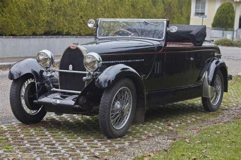 La bugatti présentée est un type 44, dont 1095 exemplaires ont été produits de 1927 à 1930. 1929 Bugatti Type 44 Roadster par Frugier