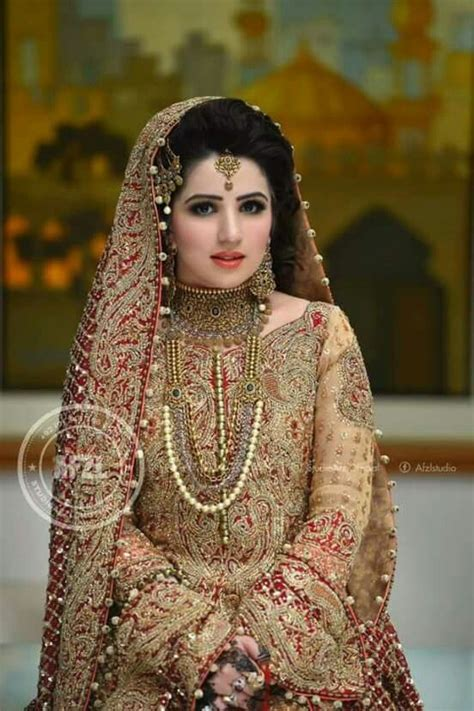 Entertain Your Look in Pakistani Bridal Latest Collection