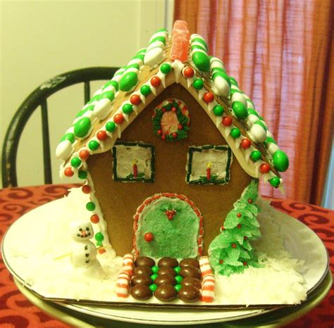 Decorating Ideas Gingerbread Houses by Simple Savory Satisfying Gingerbread House Decoration Ideas