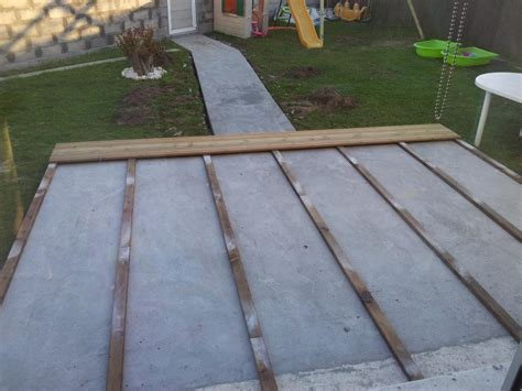 terrasse bois sur dalle beton nos conseils