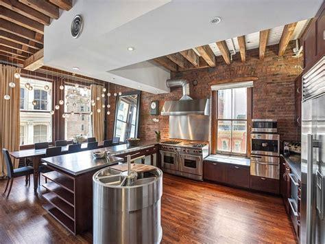 cozy  york city loft enthralls   eclectic