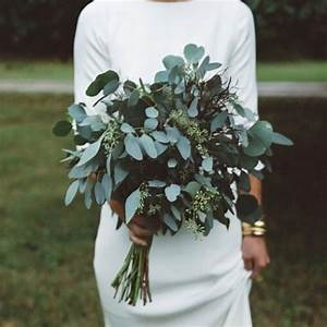 a minimalist bridal bouquet made of different types of