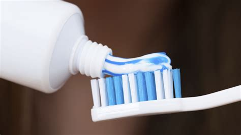 unexpected   toothpaste removing stains polishing