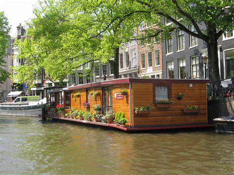 Hausboot Zum Wohnen by Wohnen Am Wasser Hausboote Findmyhome At News