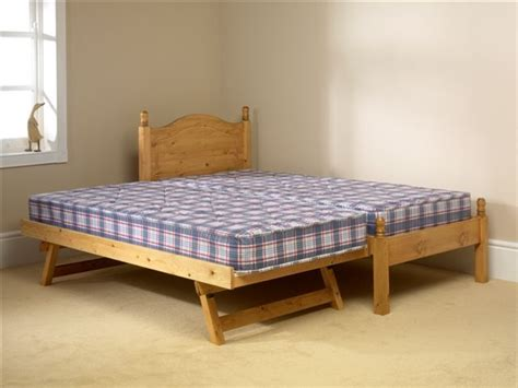 Friendship Mill 2-in-1 Guest Bed With Mattresses From