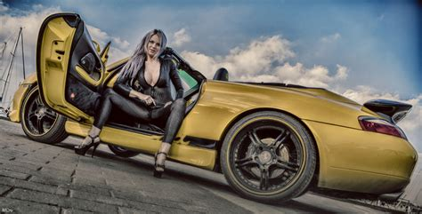 60 Classy Porsches With 60 Classy Women (photo Gallery