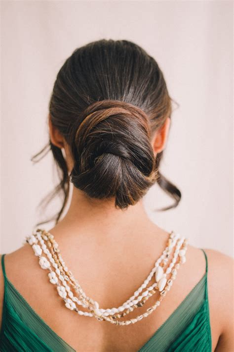 stunning beach wedding hairstyles tropical hair styling tips