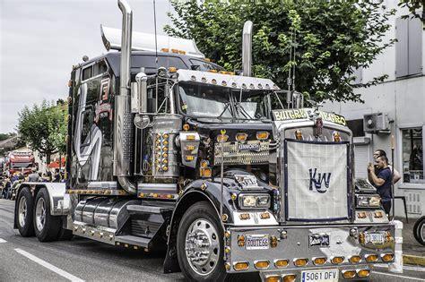 nogaro la parade des camions en ville le journal du gers