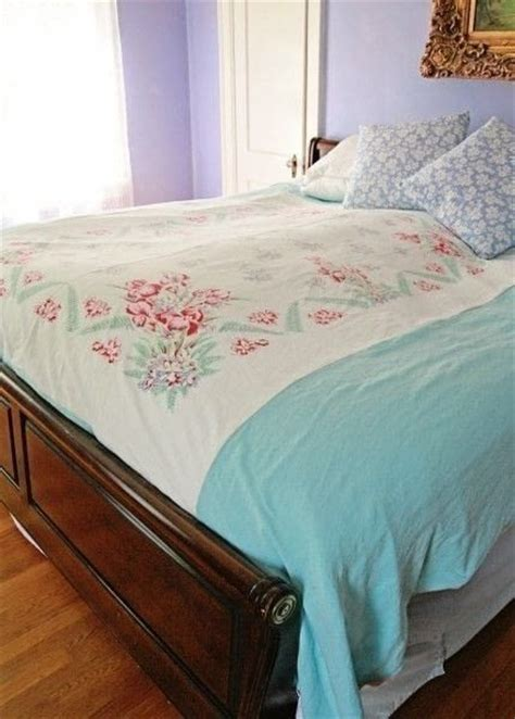 diy upcycled vintage tablecloth duvet cover 183 how to make a duvet 183 sewing cut out keep