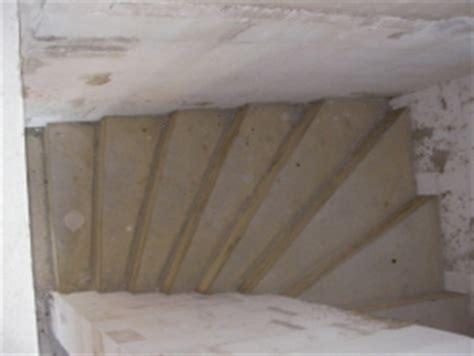 fliesen für treppenstufen innentreppe aus beton betontreppe und fertigtreppe bauunternehmen