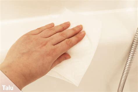 Acryl Badewanne Putzen by Acryl Badewanne Hat Kratzer So Reparieren Sie Diese