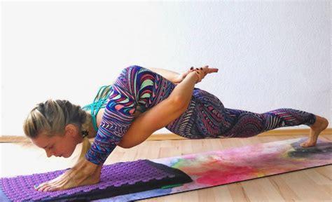 amazing yoga poses    effortless