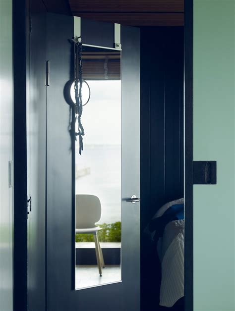 Saving Space And Gaining Style With Overthedoor Mirrors
