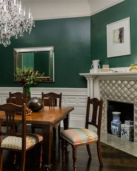 decorate  dark green  create cozy rooms town