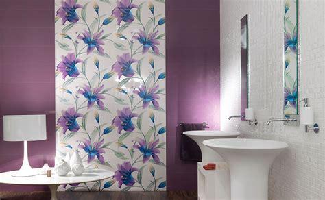 piastrelle viola colori piastrelle bagno 35 idee per rivestimenti