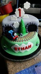 Fondant thomas the train engine birthday cake, with track