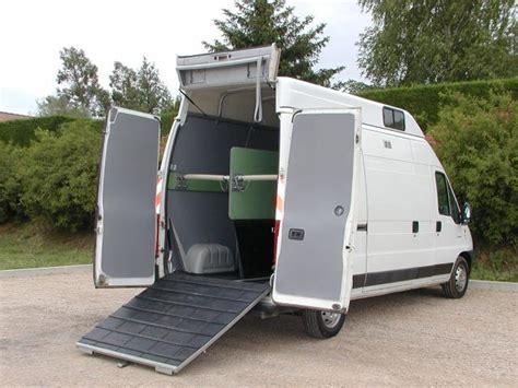 camion amenage pour cuisine amenagement betaillere de votre fourgon pour 2 chevaux