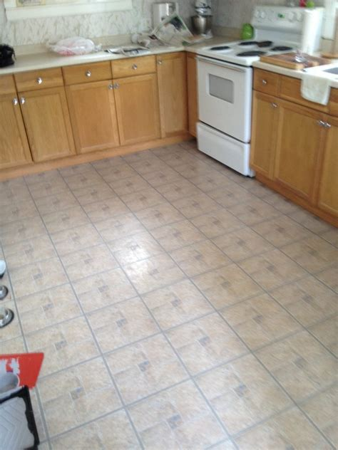 kitchen vinyl tile flooring 4 great options for kitchen flooring ideas 4 homes 6388