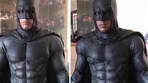 Batman Suicid Squad : hot toys suicide squad batman vs bvs batman comparison youtube ~ Medecine-chirurgie-esthetiques.com Avis de Voitures