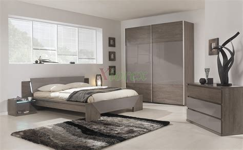 Modern Bed Gami Trapeze Bed Set Modern Bedroom Set By