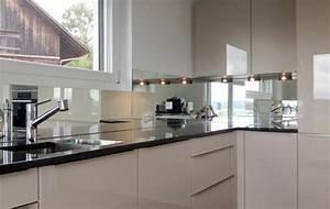 Spiegel Als Küchenrückwand : k chenr ckwand aus glas 26 coole beispiele ~ Michelbontemps.com Haus und Dekorationen