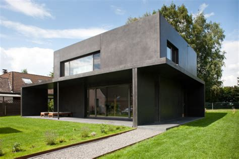 Moderne Häuser Aus Beton by Haus Meyer In Gro 223 Munzel Kleines Schwarzes Aus Beton
