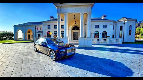 5 Insane Expensive Nigeria Celebrity Mansions 2017 (from Davido, Wizkid To Psquare)