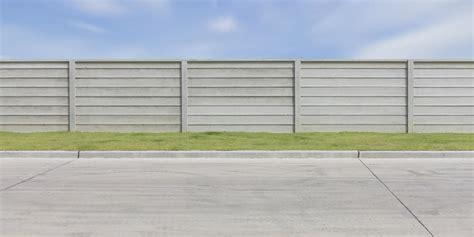 cloture beton prix prix et pose d une cl 244 ture b 233 ton