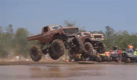 monster truck mud videos monster trucks jumping into mud louisiana mudfest