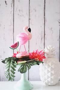 Statue Flamant Rose : quels sont les incontournables de la d co anniversaire flamant rose ~ Teatrodelosmanantiales.com Idées de Décoration