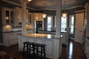kitchen island columns