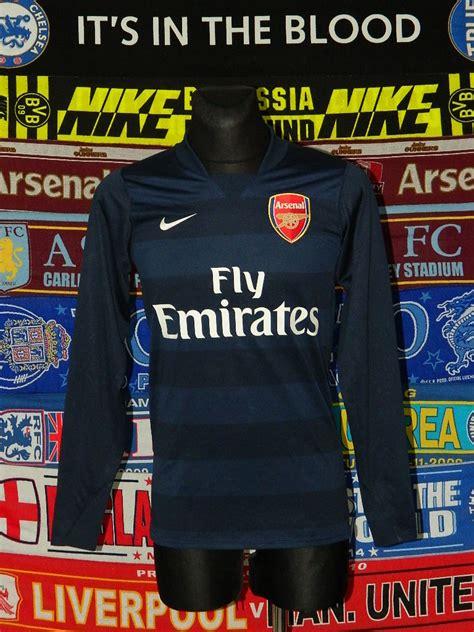 Arsenal Goalkeeper football shirt 2011 - 2012. Sponsored ...