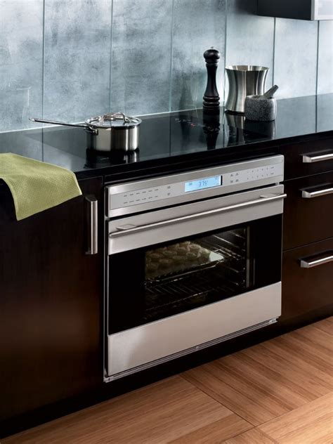 Wolf SO302GB 30 Inch Single Electric Wall Oven with 4.5 cu