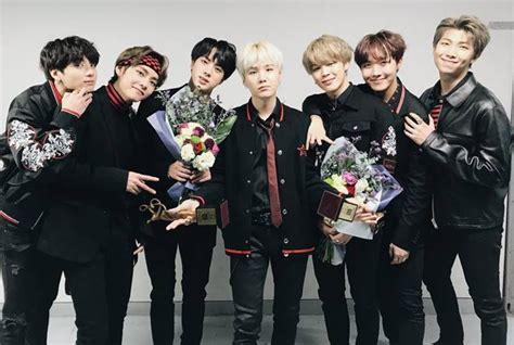 bts wins grand prize   seoul  awards