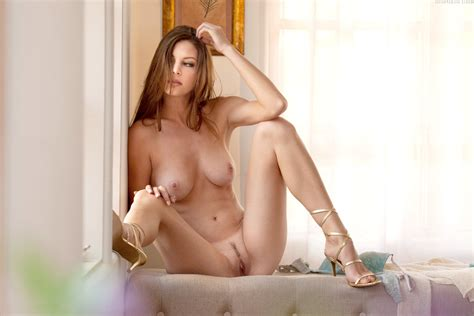Naked Amber Sym Added 07192016 By Oneofmany