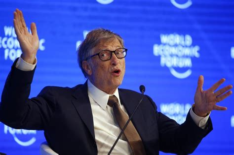 Bill Gates still refuses to use an iPhone