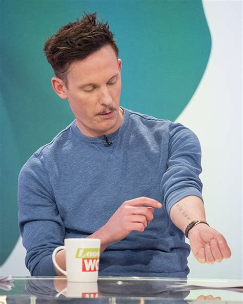 Laurence Fox covers up Billie Piper tattoo with new inking ...