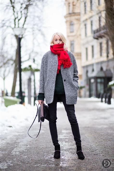 17 Red Scarf Winter Outfits That Will Keep You Warm And