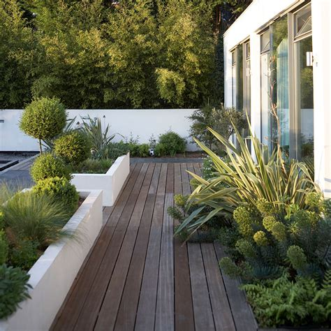 garden decking ideas  small  large plots