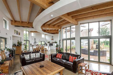grand designs homeowners  tidy profits   tv