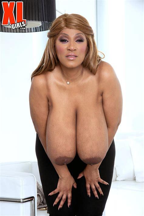 The Return Of Busty Ebony Africa Sexxx The Boobs Blog