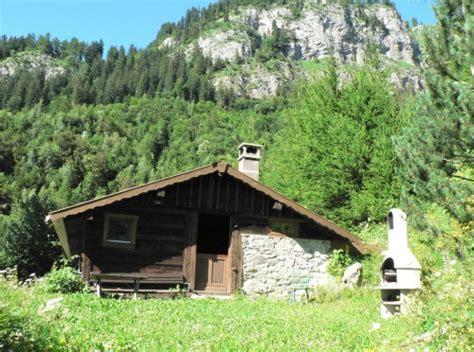 chambre cabane a louer chalet d alpage pour amoureux de la nature