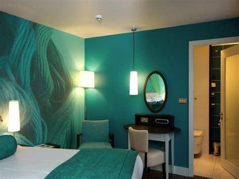 idee papier peint chambre adulte d 233 co murale chambre adulte 37 id 233 es diy et 233 faciles peinture turquoise chambre adulte