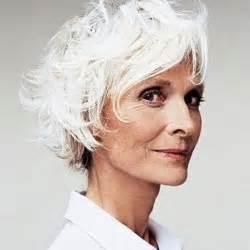coupe cheveux blancs coupes courtes cheveux blancs femmes images