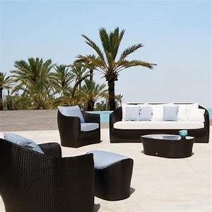 Luxury outdoor furniture digsdigs for Luxury outdoor furniture