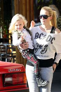 Gwen Stefani Leaves Her Home - Zimbio