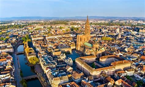Le séisme, d'une magnitude de 3,3 sur l'échelle de richter, a été mesuré à 14h38 à proximité de strasbourg, précise le rénass (réseau national de surveillance sismique), qui le qualifie « d'évènement induit ». Le Matin - Un léger tremblement de terre ressenti à Strasbourg